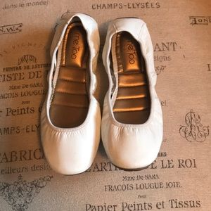 MeToo White Leather Flats